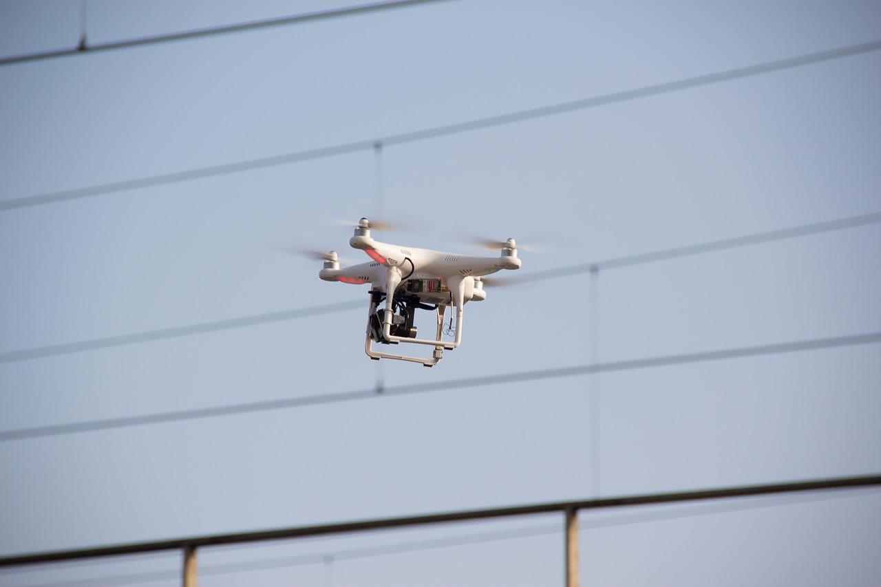 drone-464627_1280