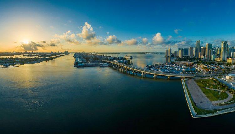 orașul-Miami